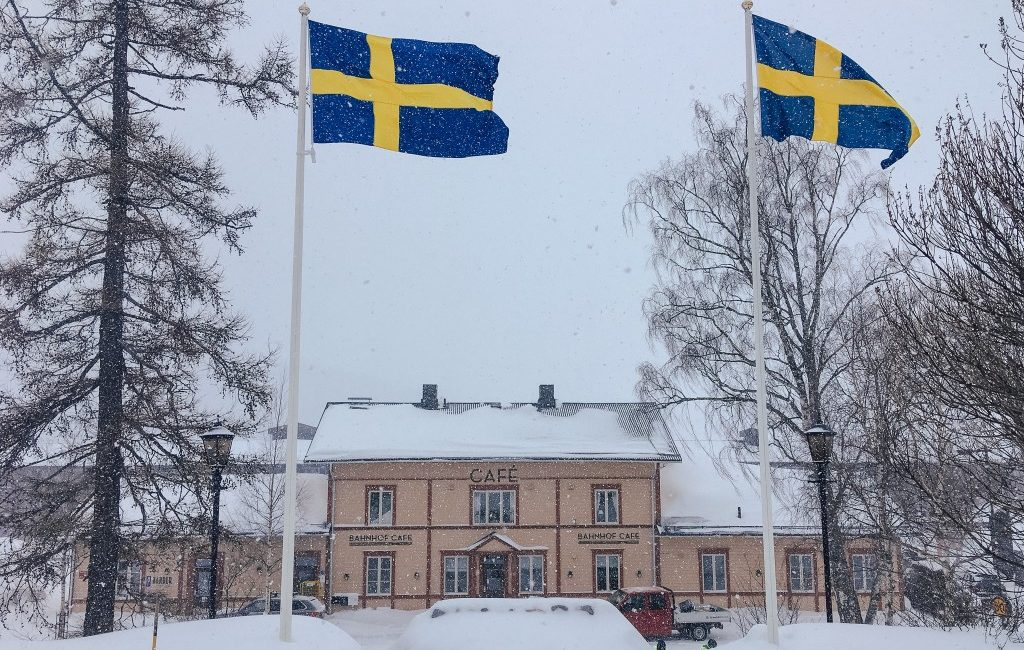 Montag – First Day in Sverige